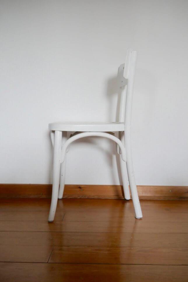 Weißer Vintage Stuhl