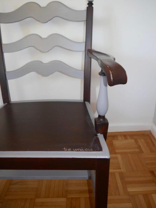 Tiefer Holzstuhl mit Lehnen Vintage
