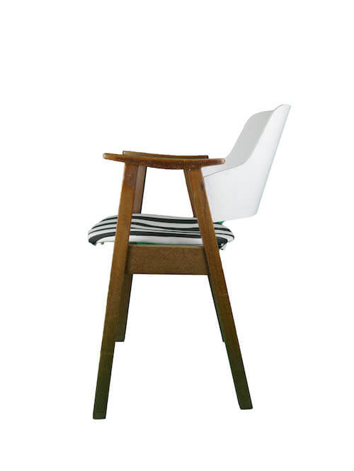 Vintage Stuhl mit gestreiftem Polster und Lehnen