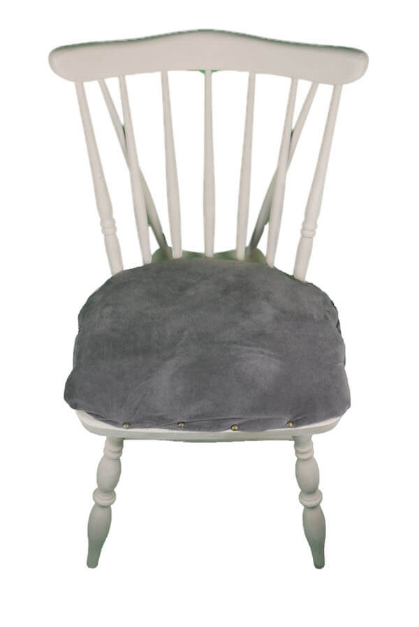 Holzstuhl mit grauem Cordsitzpolster in Cashmere Farben
