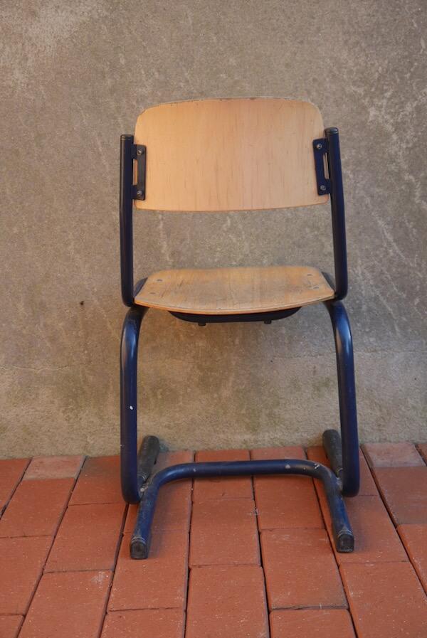 Kleiner Stuhl im Industrie Stil für Kinder