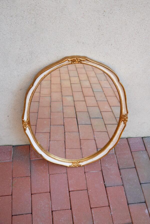 Goldener Vintage Spiegel
