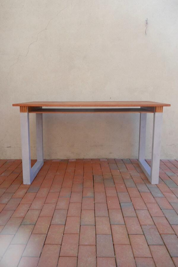 Robuster Vintage Tisch
