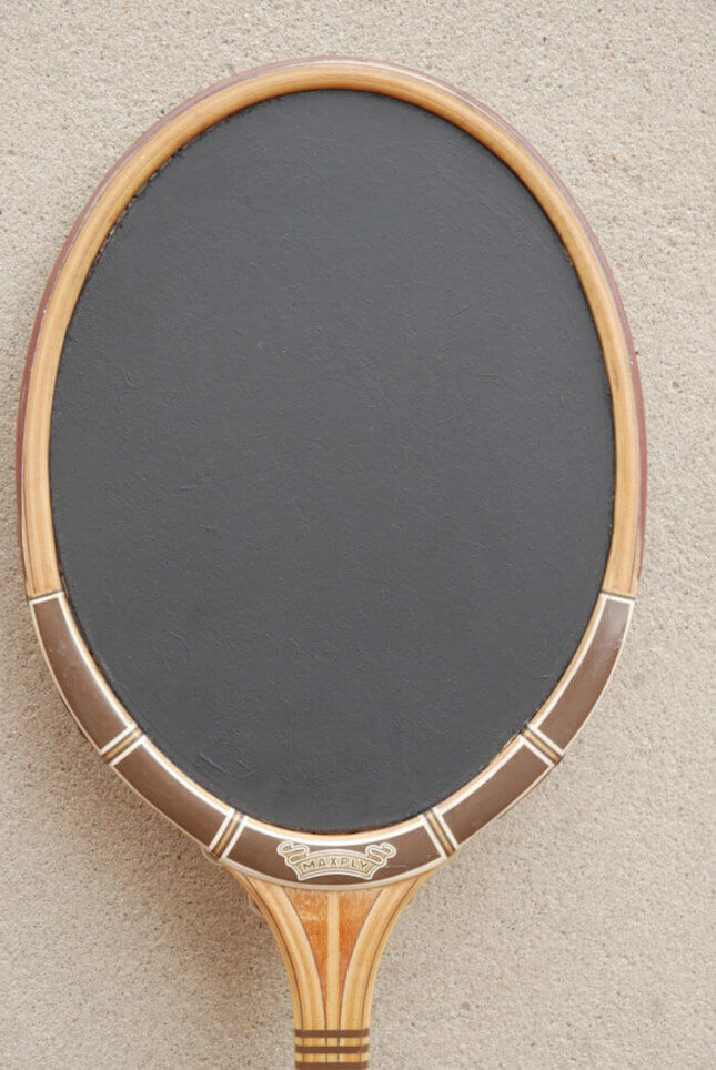 Tafel aus Dunlop Retro Tennisschläger - brauner Rahmen