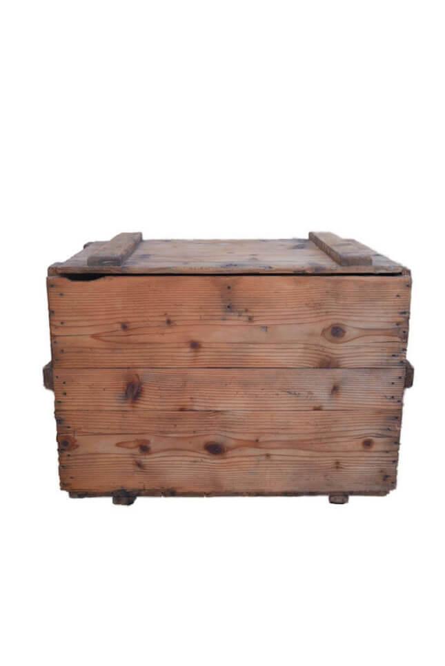 Große alte Holzkiste