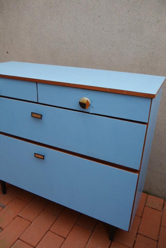 Vintage Schuhschrank in sanftem blau